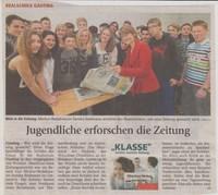 Jugendliche erforschen die Zeitung